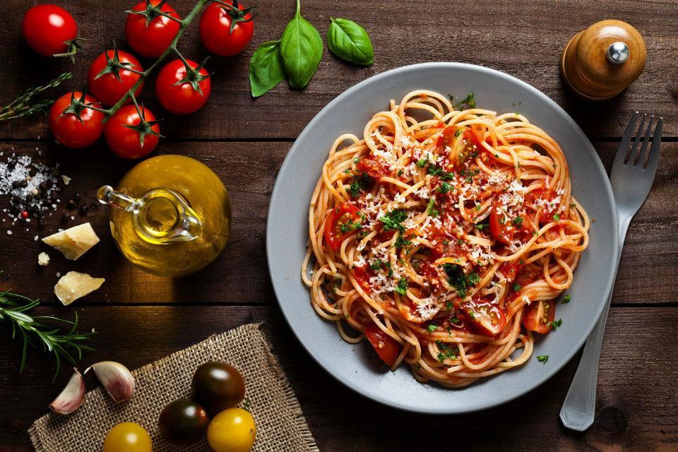 Du lich Chau Au - mi Spaghetti, Y